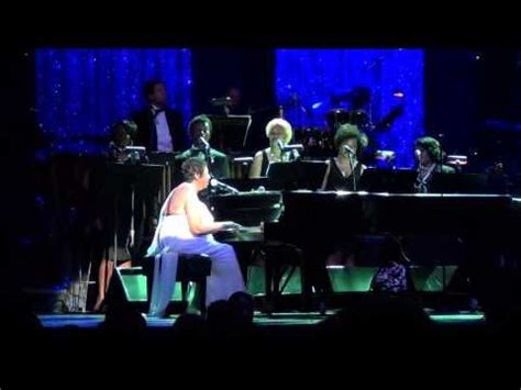 Aretha Franklin Brings President Obama To Tears Performing