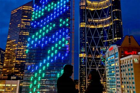Telus Sky launches a dazzling Northern Lights display