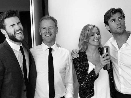 The head of Hemsworth family breaks the internet with his