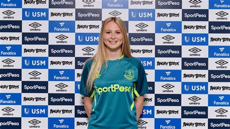 Everton Ladies add England Youth international Molly Pike