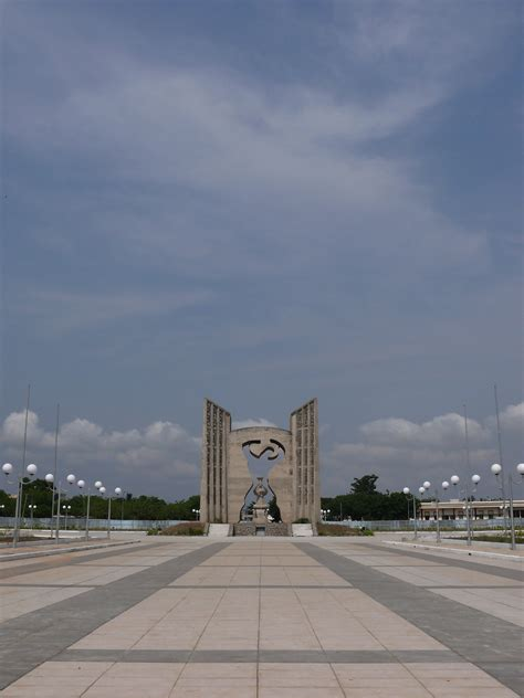Independence Monument, Lome - Wikipedia